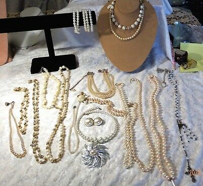 Big Lot Of 23 Faux Pearl Vintage Misc. Costume Jewelry Pieces/Wear Repair