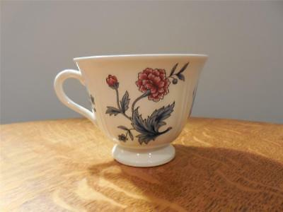 Wedgwood Potpourri Williamsburg creamware TWO cups NK510 AS IS