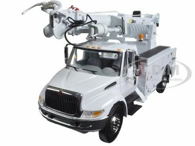 International Durastar With Digger Derrick Body White 1/34 By First Gear 10-4053