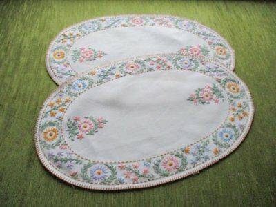 Pr.vintage Tray Cloths - Hand Embroidered - Oval - Linen