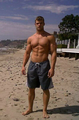 Shirtless Male Muscle Jock Beach Bare Feet Shorts Abs Pecs PHOTO 4X6 Pinup P873*