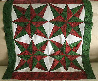 Blazing star in Christmas quilt top Lap size #0596B