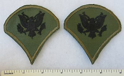 PAIR of 1960s VIETNAM Vintage US ARMY JUNGLE Subdued SPECIALIST SPEC-4 PATCHES
