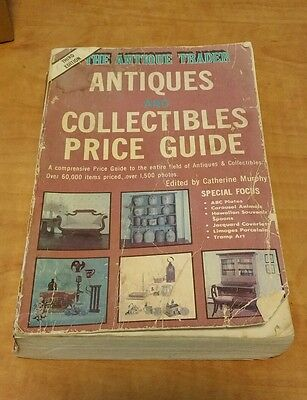 Vintage Book Softcover The Antique Trader Antiques Collectible Price Guide 1986