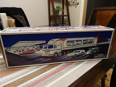 Hess Toy Truck and Racers 1997 Series in Box Looks New
