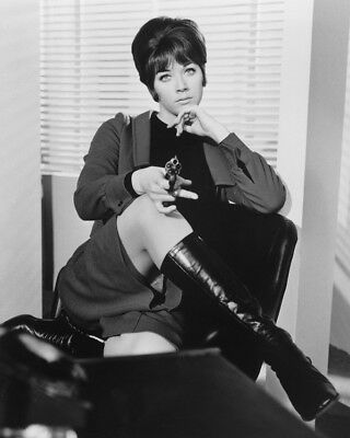 Linda thorson on stool the avengers bw 8x10 photograph 699 linda thorson on stool the avengers bw 8x10 photograph thecheapjerseys Image collections