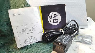 ALLEN-BRADLEY PHOTOSWITCH 42GRU-9203 SERIES A - new old stock - open box
