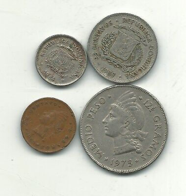 Lot 4 Dominican Republic Coins Oldest 1963 Newest 1984-Jan412