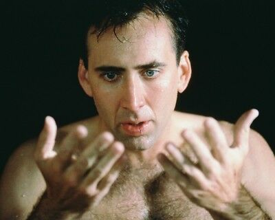 Nicolas Cage City Of Angels 8X10 Photograph Bare Chested Looking At Hands