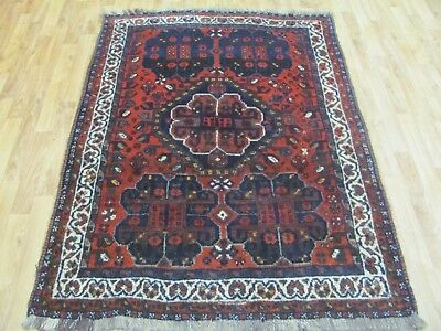 A BRILLIANT ANTIQUE HANDMADE SHIRAZ WOOL ON WOOL PERSIAN RUG (160 x 120 cm)