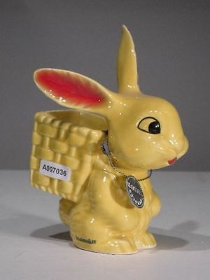 +# A007036_02 Goebel Archiv Malmuster Ostern Hase mit Korb Bunny 57-300 Plombe