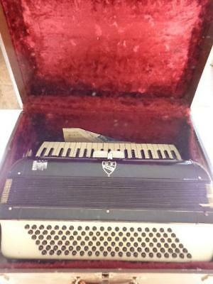 Vintage Noble Italian Made Accordion With Case & Music Model 354 120 Bass 2 Reed