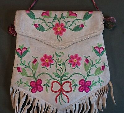 Very Fine Early 1900 Native American First Nation Metis Cree Embroidery Bag