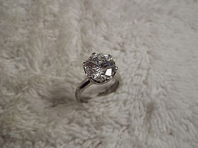 Silvertone Large Round Crystal Ring - Size 8.5 (D69)