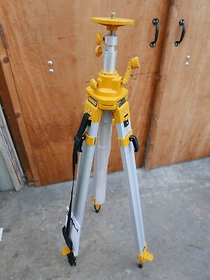 Reconditioned Dewalt De0735 Elevated Construction Laser Level Tripod Up Tp 3Mtr