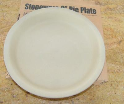 Pampered Chef  Stoneware 9 inch Pie Plate Family Heritage Collection 1425