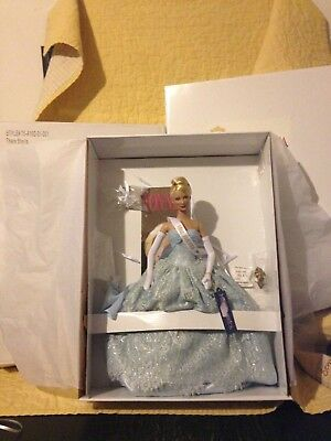 "Tonner MISS AMERICA THERE SHE IS 18"" Style #T5-A16D-01-001 NEW Box Ship Crown"