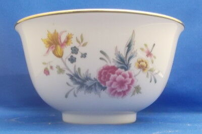 Avon Independence Day Bowl 1981 American Heirloom White Floral           w