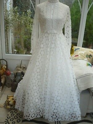 Authentic 1970's  quality lace wedding dress triple lined 10 embroidery trim