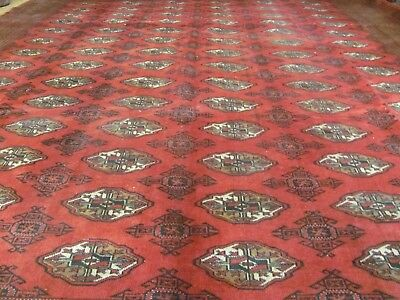 A MARVELLOUS OLD HANDMADE TURKEMAN WOOL ON WOOL PERSIAN CARPET (356 x 300 cm)