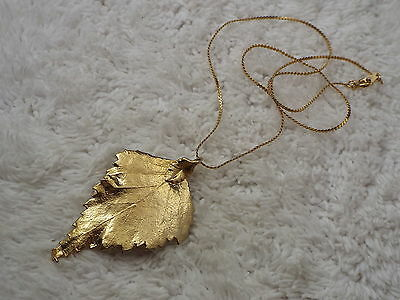 Goldtone Leaf Pendant Necklace (B27)