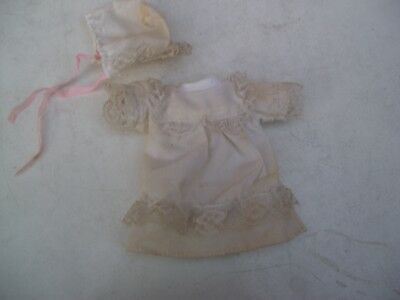 Alte Puppenkleidung White Baby Dress Hat Outfit vintage Doll clothes 17 cm Girl