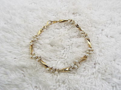 Goldtone Bar White Bead Cluster Bracelet (A2)