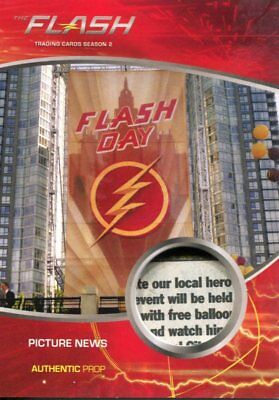 The Flash Season 2 Prop Relic Card M25 Picture News