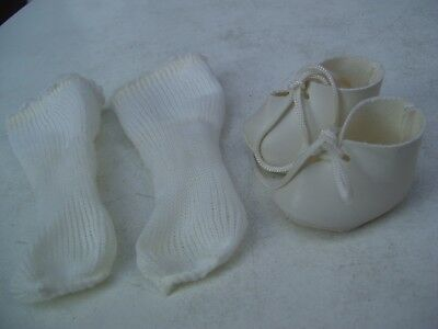 Alte Puppenkleidung Schuhe Vintage White Soft Shoes Socks  40 cm Doll 5 cm