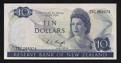 New Zealand P-166c (1975-77) $10- Knight.. Prefix 25C.. gEF-aUNC