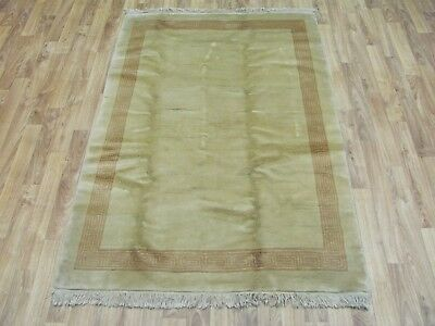 A DELIGHTFUL OLD HANDMADE CHINESE ORIENTAL RUG (147 x 95 cm)