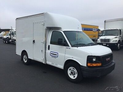 Penske Used Trucks - 2014 GMC SAVANA G3500 - 10ft Box Truck