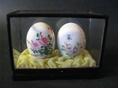Vintage Chinese Hand Painted Blown Eggs Pink Flowers Bird & Bee In Glass Case