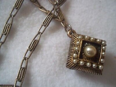LOVELY ART DECO necklace - puffed square pendant with pearls, paperclip chain