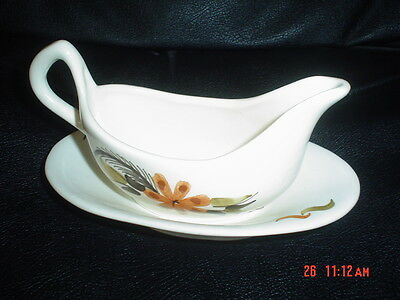 Babbacombe Pottery Sauce Boat And Dish Brown Flower Leaves