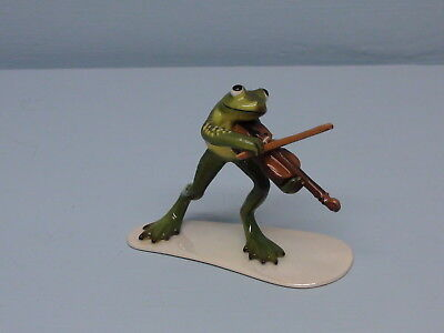 Hagen Renaker Specialty Frog Playing Fiddle