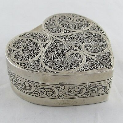 LOVELY ANTIQUE SOLID SILVER HEART SHAPED TRINKET BOX FILIGREE 7.5 CM 111 g