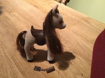 SYLVANIAN Small Vintage Pony with Saddle and Brushes