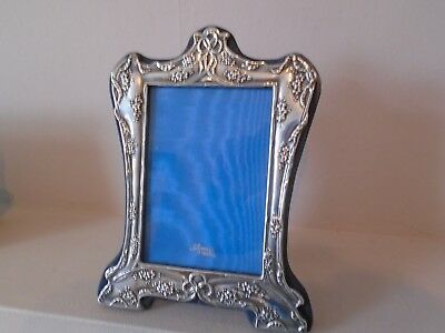 """Beautiful Detailed And Shape Large 8.5"""" Vintage 1968 Sterling Silver Photo Frame"""