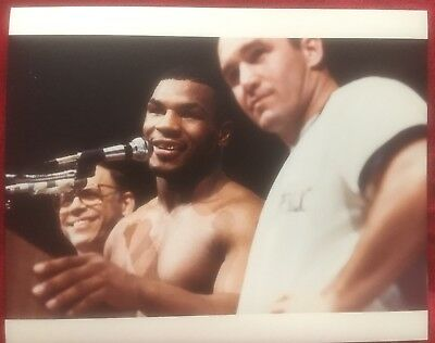 Lovely Rare Original First Generation Photo Mike Tyson Talks After Berbick 1986!