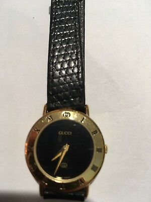 Gucci Ladies Leather Strap Wrist Watch