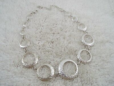 Hammered Silvertone Rings Necklace (C49)