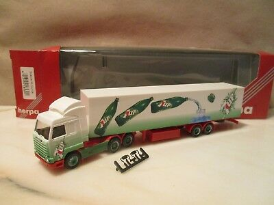 Herpa  185301   --   Sz ----  Seven  Up        -------  Scania 143