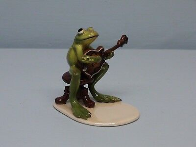 Hagen Renaker Specialty Frog Playing Mandolin