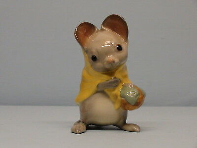 HTF Hagen Renaker San Marcos DW Country Mouse Mama