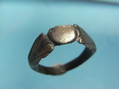 Roman Britain 1st~2nd Century Solid Silver Palm Decorated Finger Ring. (A1074)