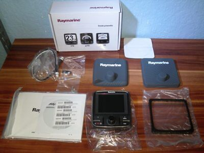 Raymarine NEW IN BOX P70r Color Seatalk NG Autopilot Display - E22167