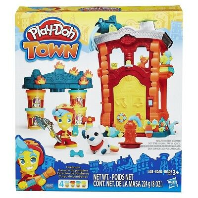 Set Game PLAY-DOH Town BARRACKS FIREFIGHTERS Firehouse PLAYSET Figure and PASTA