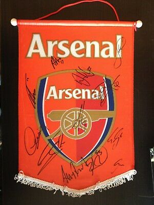 ARSENAL F.C.. - 12 x SQUAD MEMBERS - LARGE SIGNED FOOTBALL PENNANT