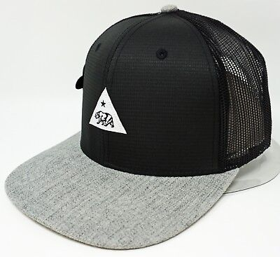 1a65a910a73f77 California Republic Snapback Cap Cali Triangle Mesh Trucker Hat Black Gray  NWT